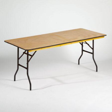 Staciakampio stalo nuoma